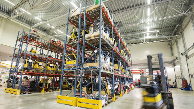 Cramo depot warehouse